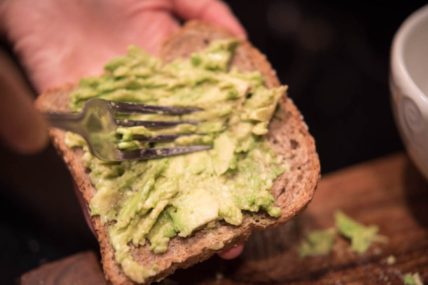 avocado-mashed-on-sandwich