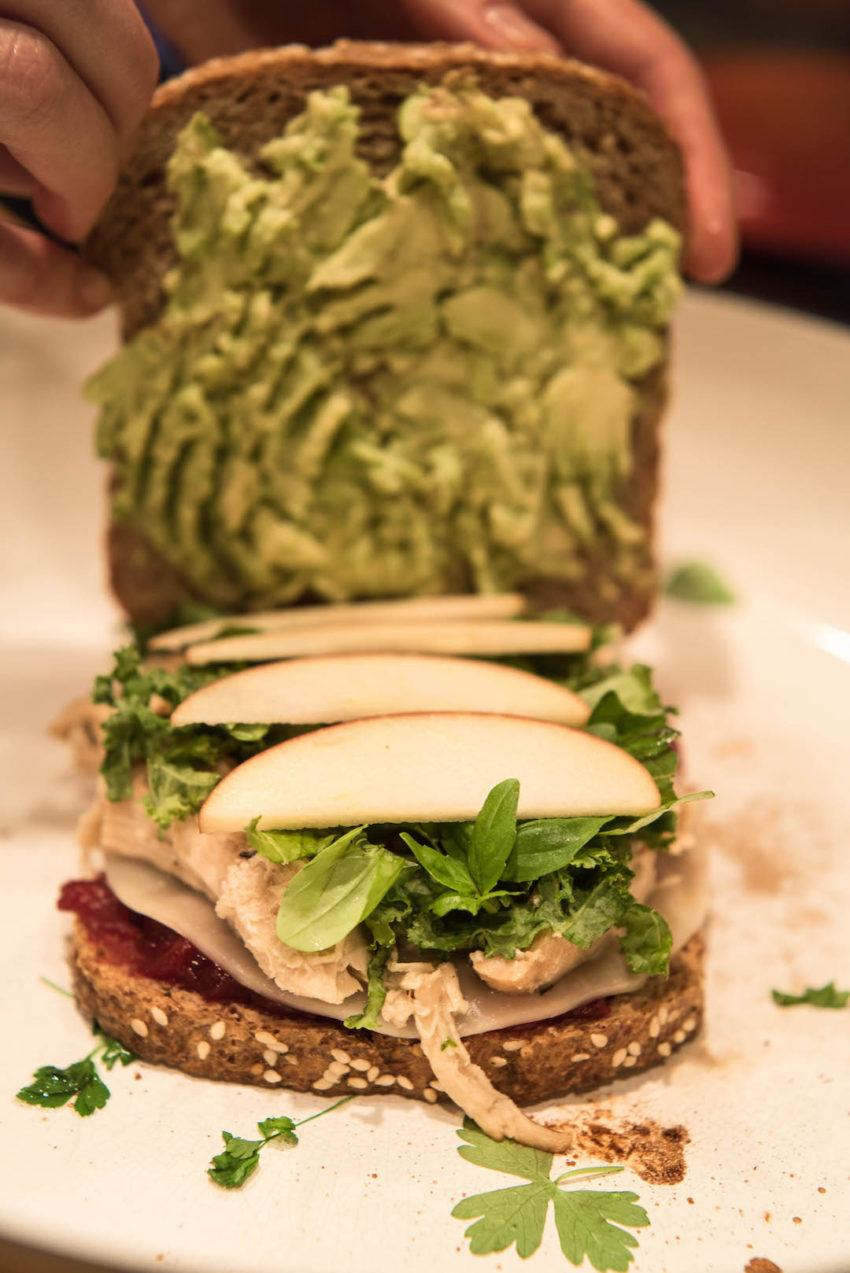 put-sanwich-together